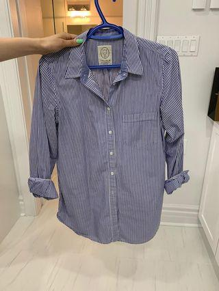Aritzia boyfriend shirt