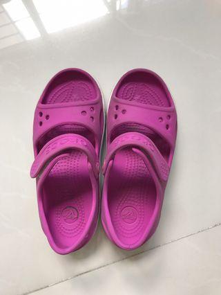 🚚 Authentic Crocs sandals kids