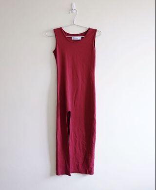 🚚 TEM red slit maxi dress
