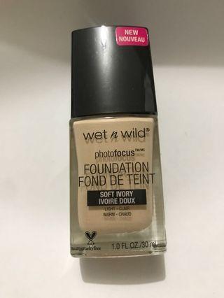 wet n wild foundation 粉底