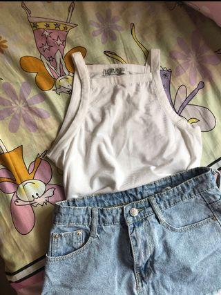 🚚 basic white halter top