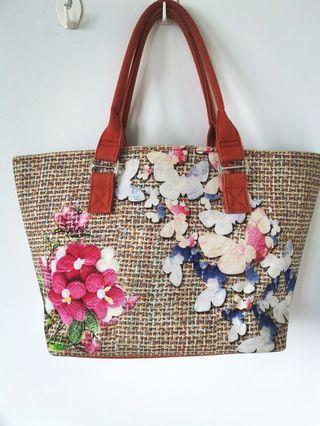 Tote Bag & Large Handbag
