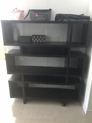 🚚 Book shelf / display