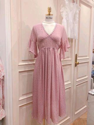 韓國BLANC V領刺繡花邊洋裝