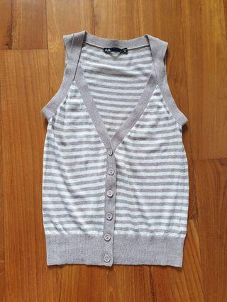 🚚 Striped vest