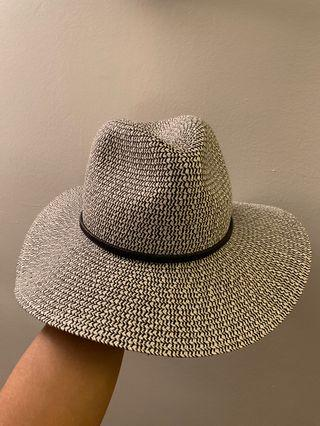Sun Hat - Abercrombie (never worn, with tag)