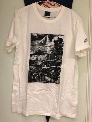 Nike track & field T-shirt size L