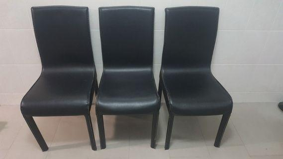 🚚 Set of 3 dinning chairs