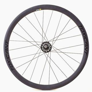 GRAY TOXICANT Carbon fiber wheelset - light weight, high specification,super sweet price.