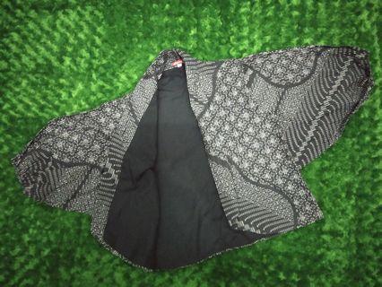 Outwear batik hitam