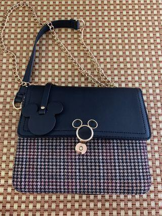 🚚 Cheap deal - Mickey Mouse bag from Primark Disney