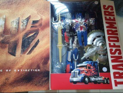 Optimus Prime Leaderclass Transformers
