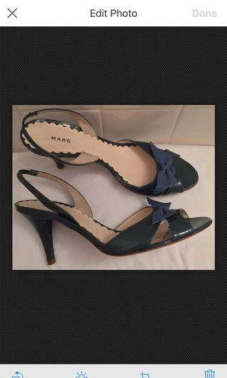 Marc Jacobs Green Patent Leather Heels Blue Toe Bows