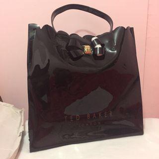 Ted Baker 黑色花邊袋