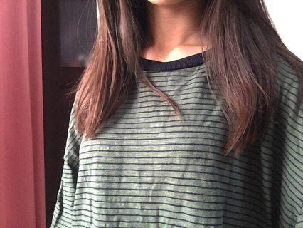 🚚 綠底條紋寬鬆薄長袖