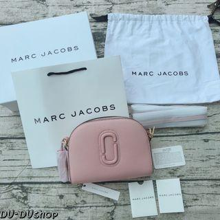 Marc Jacobs  經典雙J Logo半月包