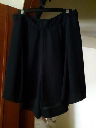 🚚 Black Skirt/pants
