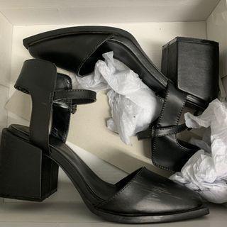 🚚 EMODA高根涼鞋