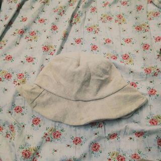 米色漁夫帽