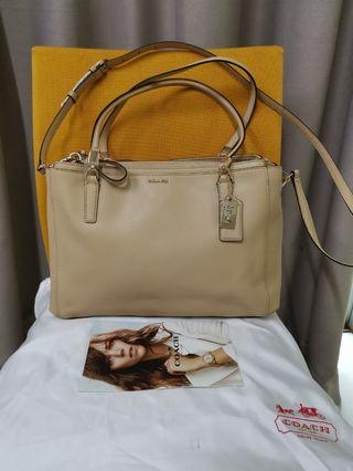 COACH Doublebag Beige. 100% AUTHENTIC. NEW.