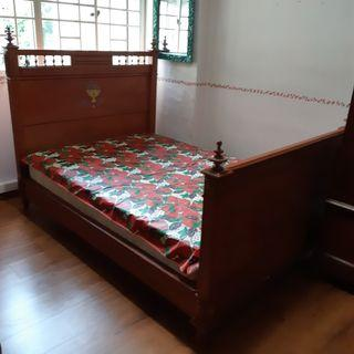 Victorian Teakwood Bed