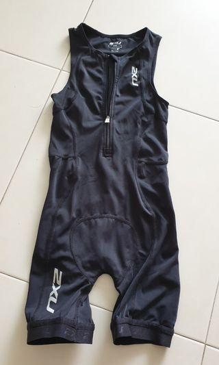 2XU Kids Tri Suit size S for 1.3-1.4m height (used only once!)