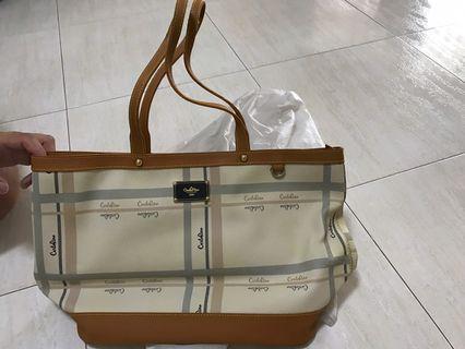 🚚 Carlorino Handbag