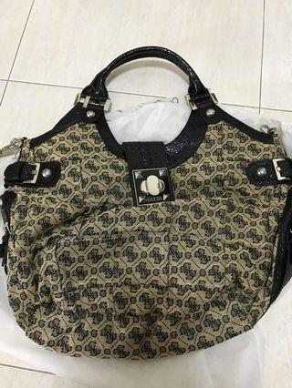 🚚 Guess 2 Way Handbag