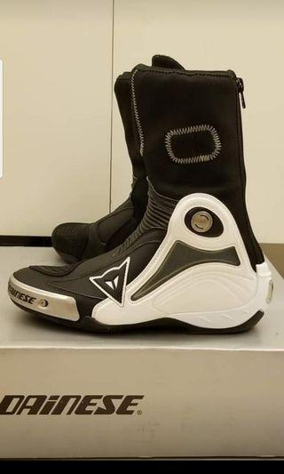 Dainese axial pro race in boots