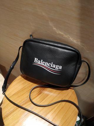 BALENCIAGA 新款 黑色 可樂標 小羊皮 相機包