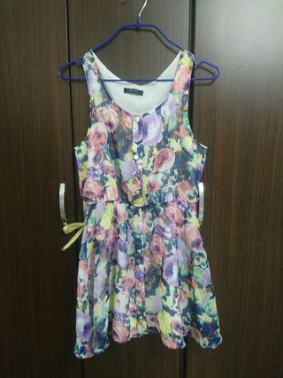 渲染花卉 雪紡 排釦 背心小洋裝