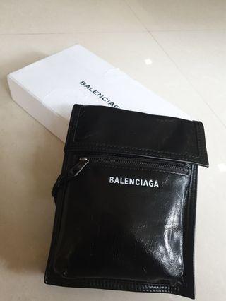 🚚 Balenciaga explorer pouch BNDS