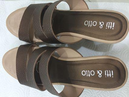 Ladies heels (wore only once)