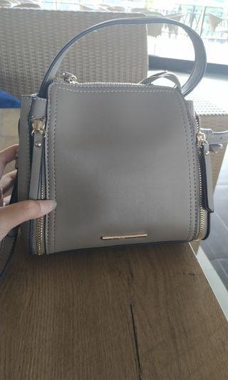 Vnc Sling bag