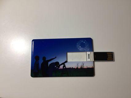 Unique card thumb drive 14.8Gb