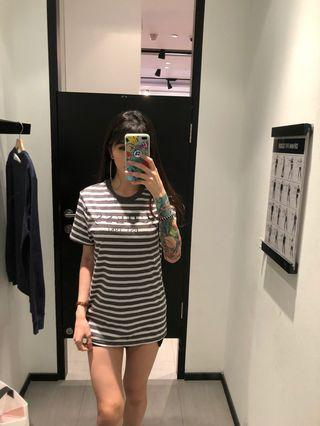 GUESS stripe tee authentic