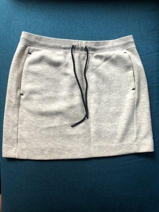Uniqlo Light Grey Skirt 淺灰色短裙