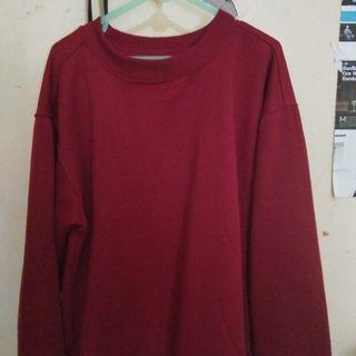 Sweater maroon masih mulus