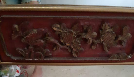 🚚 A piece of vintage mirror with wood carvings