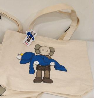 Uniqlo x Kaws tote bag