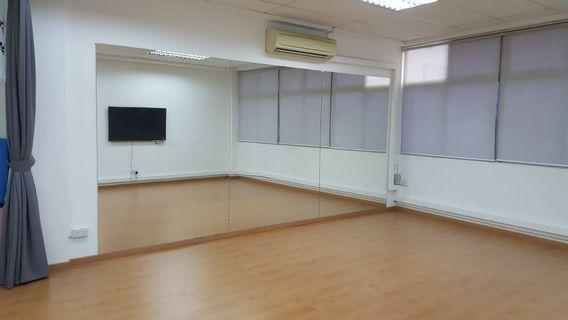 Looking for freelance dance and fitness trainers who need cheap studio rental t9 conduct classes! Cheapest flat rate of $30/hour all day for clean and spacious studio!!!