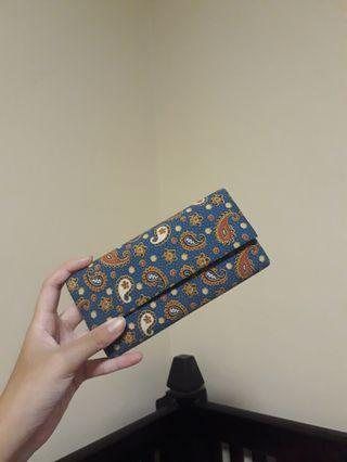 🚚 Blue Paisley Wallet