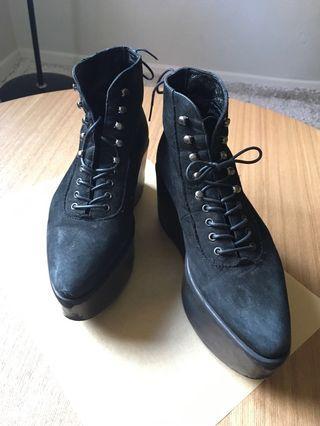 Tokyo Bopper Black Shoes