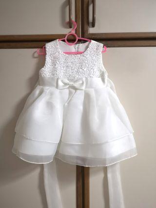 🚚 Pretty White  Dress