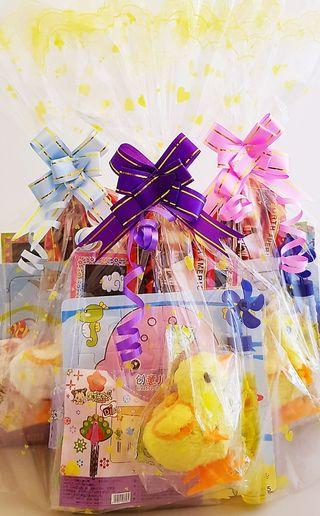 🚚 Children birthday goodie bag, goody bag, windchime, toddler goodie bag, wooden puzzle, aeroplane glider, diy craft for kids