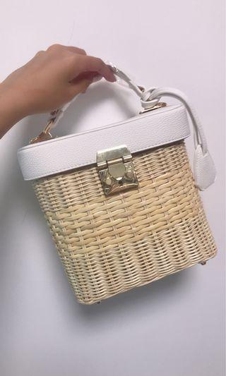 皮蓋方型藤織袋 Rattan bag