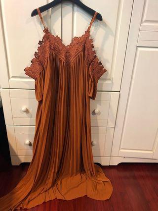 [代網拍成癮的友出售]橘棕色斷袖百褶洋裝