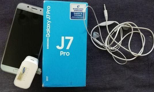 Samsung J7 Pro - under warranty till Nov 2019