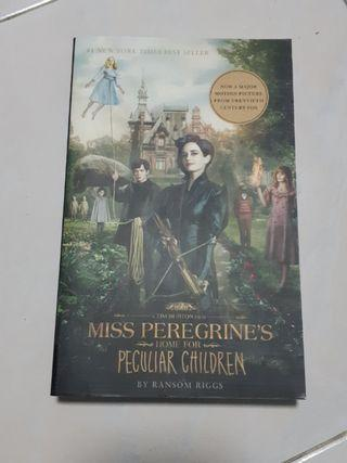🚚 Miss Peregrine's Home For Peculiar Children - Ransom Riggs