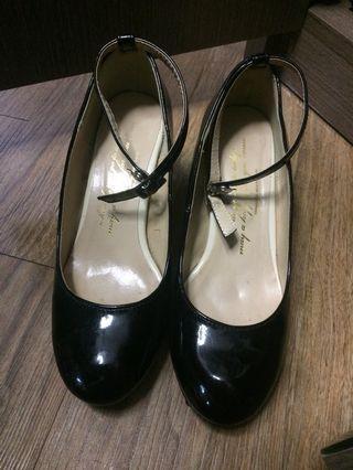 黑色高踭鞋EU38/39